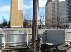 Погружение и извлечение шпунта на объекте по адресу: ул Кузнецова , г.Санкт -Петербург