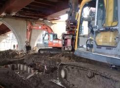 Погружение и извлечение шпунта под Серным мостом